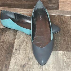Two tone Calvin Klein pointed toe flats sz 8.5